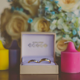 D Day by Gabriel Cabrera - Wedding Details ( wedding photography, details, rings, bokeh )