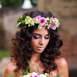 Bride Portrait by Bernardo Garcia - Wedding Bride ( girl, flower design, woman, makeup, bouquete, brunette, beauty, bride, flowers )
