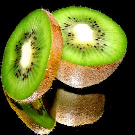 kiwi in the mirror by LADOCKi Elvira - Food & Drink Fruits & Vegetables ( frit )