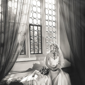 Dreaming by Paul Eyre - Wedding Bride