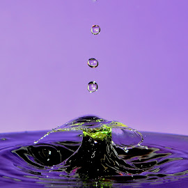Water Drop by Fred Øie - Abstract Water Drops & Splashes ( abstract )