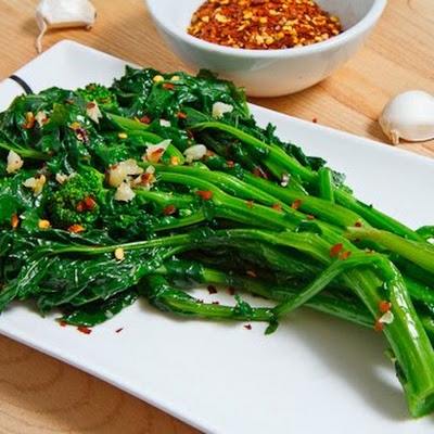 Braised Rapini (Broccoli Rabe)