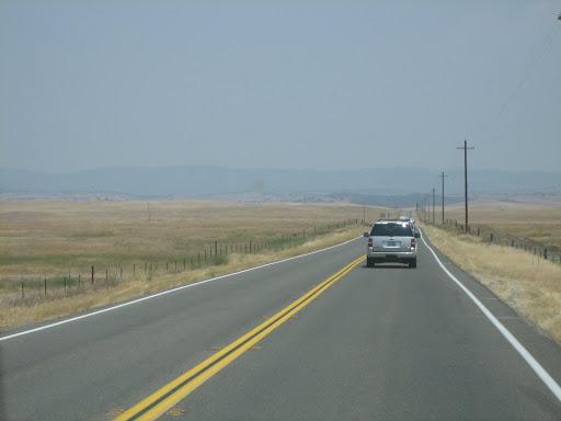 Bezkresne krajobrazy Dzikiego Zachodu i jego łanów pszenicy