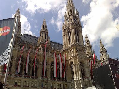 Fachada principal del ayuntamiento de Viena