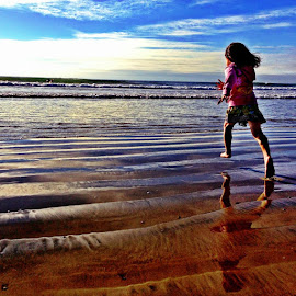 Beach time by Liz Corona - Landscapes Beaches ( children, beach )