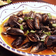 Stir-Fried Mussels With Chili, Garlic and Basil