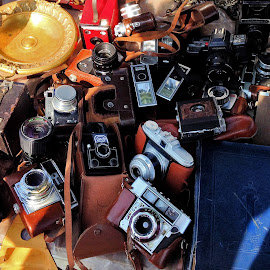 Photo technology by Claudiu Petrisor - Instagram & Mobile iPhone ( old camera, old, flea market, technique photo, cameras,  )