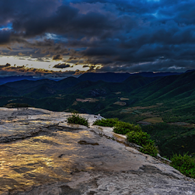 Sunrise in the mountains by Cristobal Garciaferro Rubio - Landscapes Mountains & Hills ( mountain, sunrise clouds, hierve el agua, mexico, oaxaca )