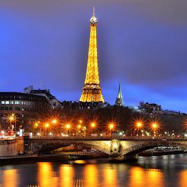 Eiffel Tower, Paris by Aditya Shrivastava - Buildings & Architecture Statues & Monuments