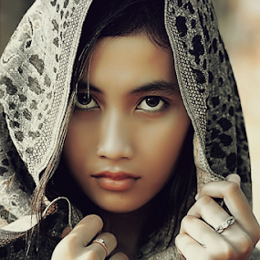by B Photography - People Portraits of Women