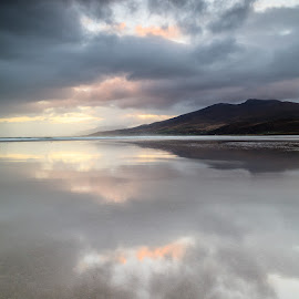 Sunrise over Fermoyle by Graham Daly - Landscapes Beaches ( water, canon 5d mark ii, cappagh, dingle, dingle peninsula, ireland, seascapes, sea, reflections, ocean, coastal, graham daly photography, coast, 5d mark 2, lee filters, dawn, winter, fermoyle, county kerry, long exposure, sunrise, landscapes )