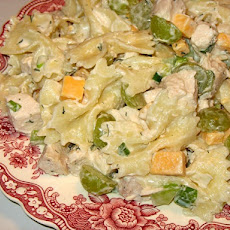 Pasta Salad With Chicken and Grapes