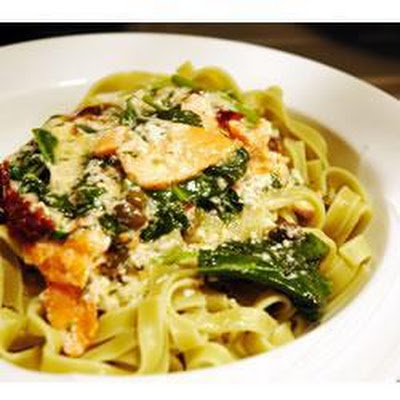 Smoked Salmon And Spinach Fettucine