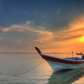 Lonely by Muhamad Ridzuan - Landscapes Sunsets & Sunrises ( clouds, nature, hdr, sunset, landscape )