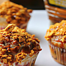 Honey Vanilla Bean Cupcake w/ Honeycomb Pieces