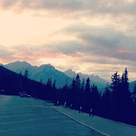Sulphur Mountain by Aaron Ng - Instagram & Mobile iPhone