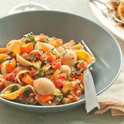 Whole Wheat Pasta with Tomatoes and Veggies