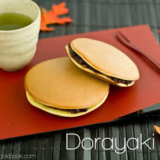 Dorayaki (Japanese Red Bean Pancake)