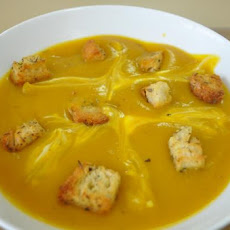 Roasted Butternut Squash Soup With Crispy Croutons