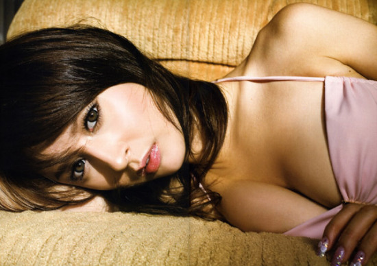 Leah Dizon artis indo bugil, toket semok abg cantik, gadis mahasiswi foto telanjang
