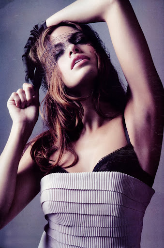 eva mendes. Eva Mendes Elle Magazine