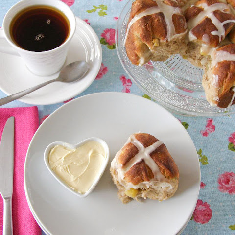 Apple and Cinnamon Pull Apart Hot Cross Buns with Maple Icing