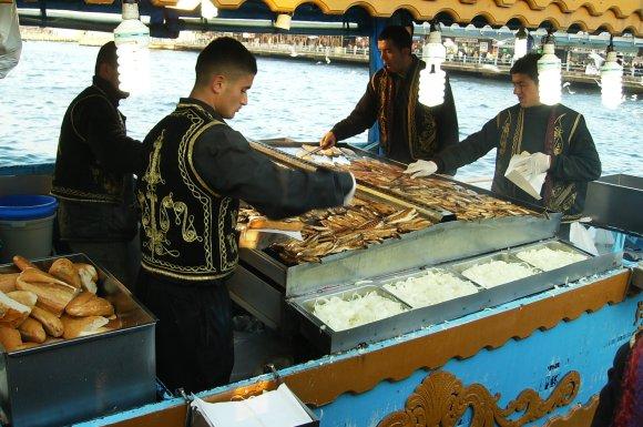 balık ekmek 3 lira