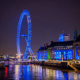 London Eye Glow by Sheldon Anderson - Buildings & Architecture Public & Historical ( london eye, night photography, london, 2014, dramatic, night, scenic, bridge, big ben, nights capes, river )