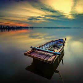 Perahu Santai Ocarina..tone nya sengaja dilebaykan sedikit hehe by Dimas Pamungkas - Transportation Boats