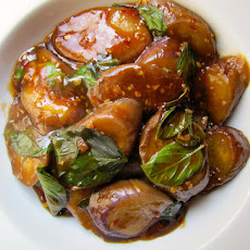 Braised Eggplant with Garlic and Basil