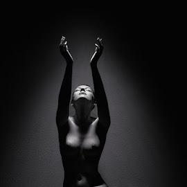 Devine light by Catchlights Fotografie - Nudes & Boudoir Artistic Nude ( sit, studiomodel, studio, nude, heaven, naked, pray, light )