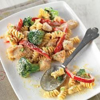 Creamy Chicken with Broccoli and Red Pepper Pasta