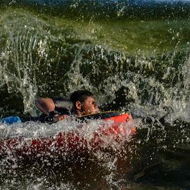 Body boarding by Jose Augusto Belmont - Sports & Fitness Watersports ( praia, niterói, itapuca, beach, bodyboard, surf,  )