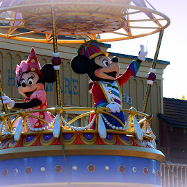 Minnie and Micky by Lorraine D.  Heaney - People Musicians & Entertainers
