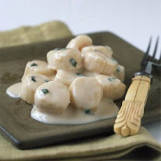 Scallops in Coconut-Basil Sauce