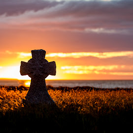 Celtic cross  monument by Aðalsteinn Grétarsson - Buildings & Architecture Statues & Monuments ( iceland, sea, celtic cross, monument, grundarfjörður )