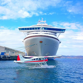 Flying cruise by Greg Faull - Transportation Boats ( plane, hobart, perfect, timing, cruise )