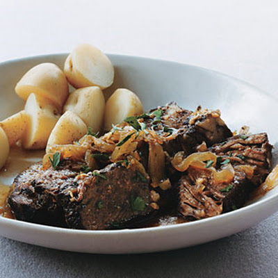 Braised Beef and Onions