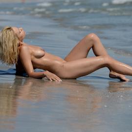 beach nude by Bogdan T. Fotografie - Nudes & Boudoir Artistic Nude ( erotic, water, body, sexy, nude, boudoir, summer, shape, beach, people, sun )