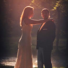 by Giannis Paraschou - Wedding Bride & Groom (  )