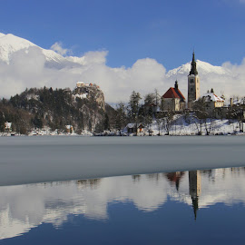 Bled, Slovenija by Miro Zalokar - Landscapes Travel