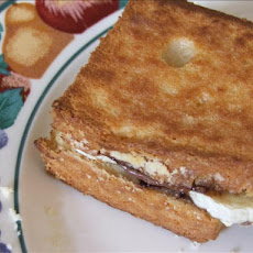 Grilled Nutella and Banana Sandwich