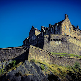 Edinburgh Castle from Princes Street Gardens by Lyndsay Hepburn - Buildings & Architecture Public & Historical ( scottishviews, princesstreetgardenviews, edinburgholdtown, scottishhistoricbuildings, edinburghcastle )