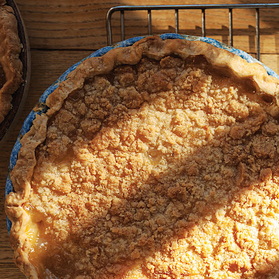 Pear and Ginger Pie with Streusel Topping