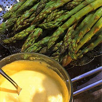 Fresh Asparagus with Foaming Hollandaise