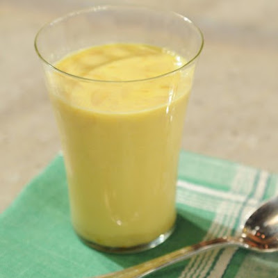 Saffron and Almond Milk