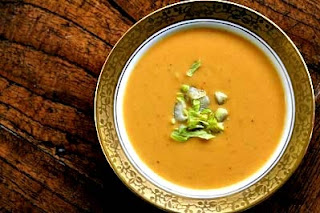 Easy and Delicious Creamy Sweet Potato Soup Recipe by Makeeze Recipes