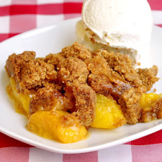 Ginger Snap Peach Crumble