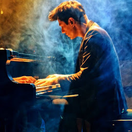 Maksim Mrvica concert by Borna Ćuk - People Musicians & Entertainers ( opatija, maksim mrvica, concert, piano, pianist )