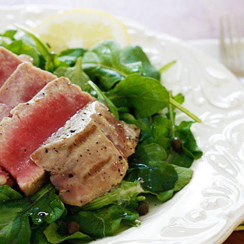 Grilled Tuna over Arugula with Lemon Vinaigrette